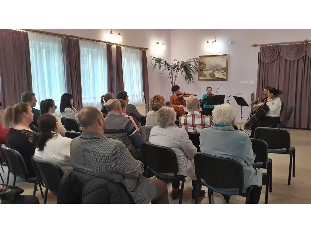 A Giusto Kamarazenekarból alakult vonósnégyes hangversenye Litván Erika vezetésével.
