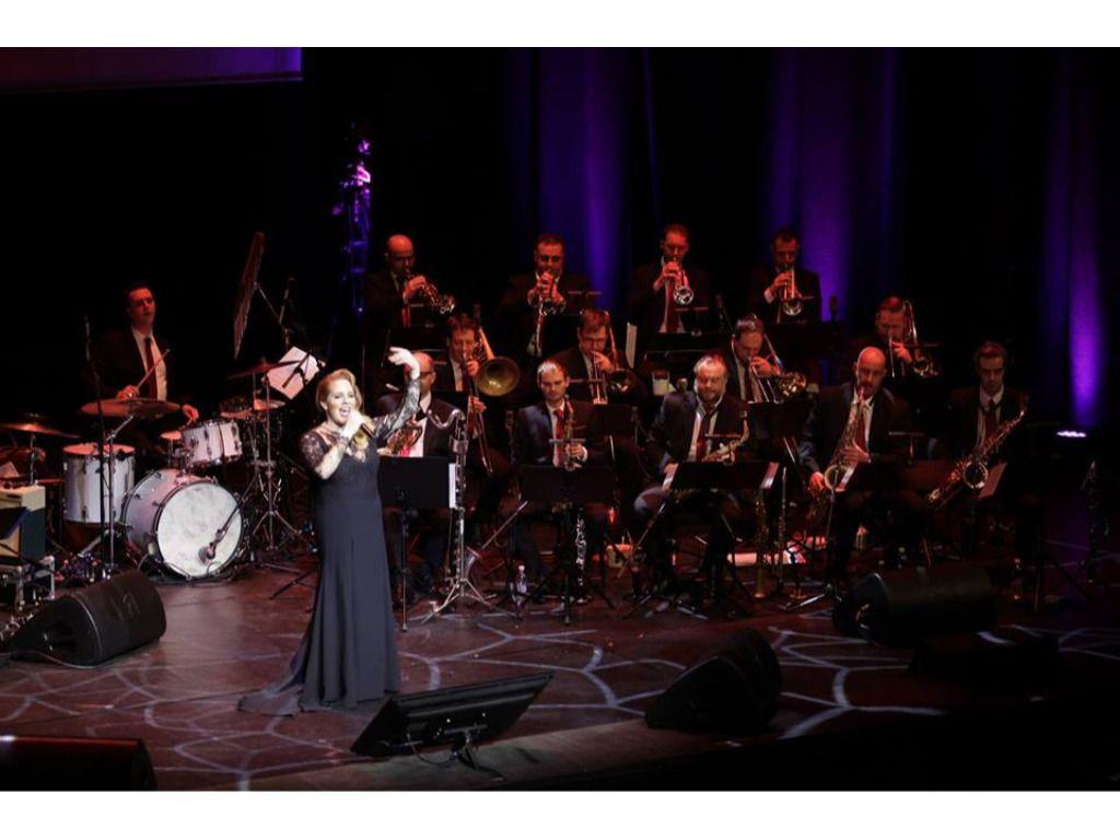 Tóth Vera és a Budapest Jazz Orchestra karácsonyi koncertje