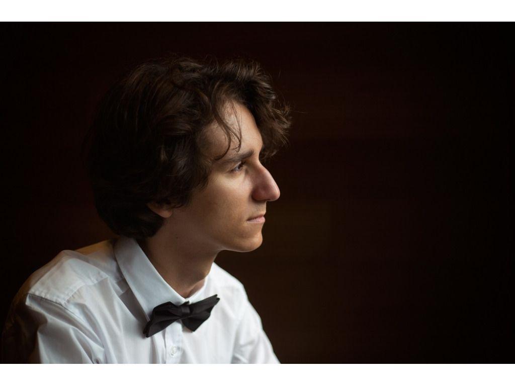 Magyar Valentin (zongora) és az Anima Musicae Kamarazenekar / BTF 2020