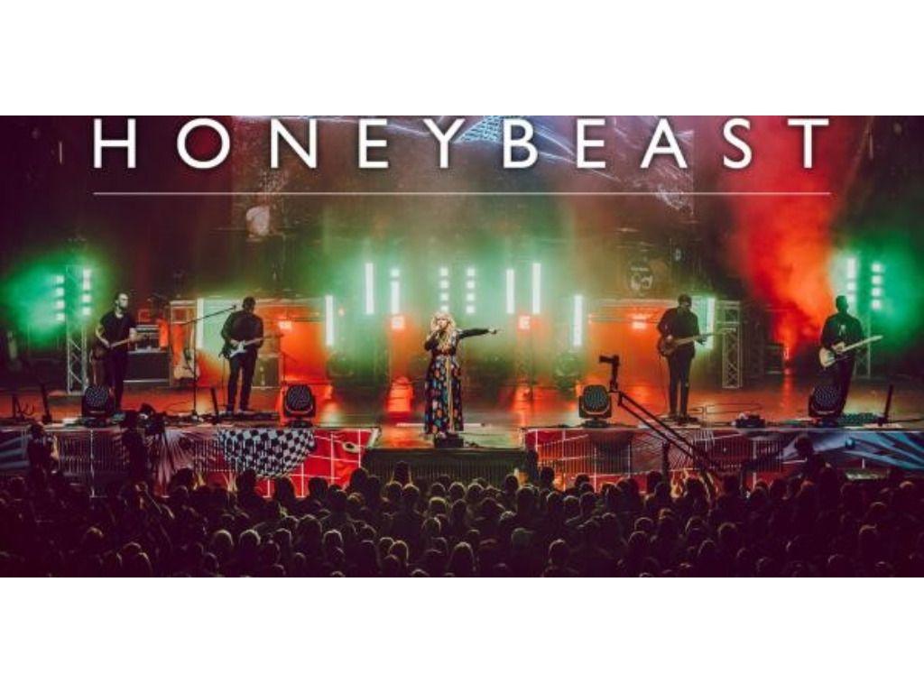 Honeybeast koncert a Barlangszínházban