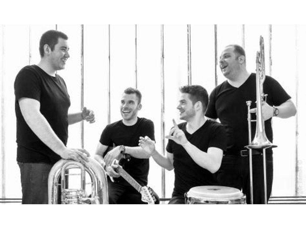 Újévi koncert a B32-ben - Chameleon Jazz Band