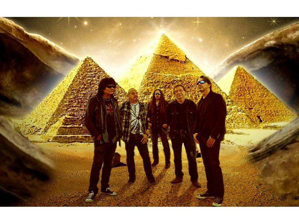 Nyerj páros belépőt a Piramis-koncertre!