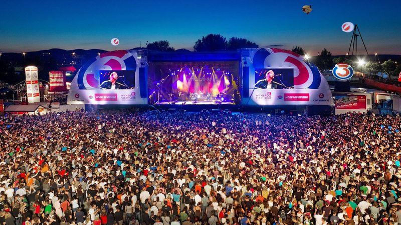 Európa legnagyobb ingyenes szabadtéri fesztiválja Falcora emlékezik