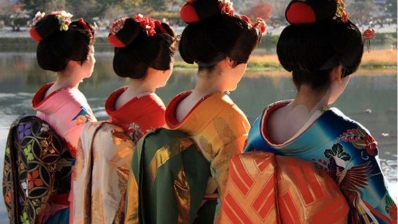 Lesz kimonó- és babakiállítás is