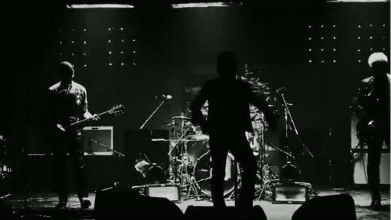 Bonóék belehúztak, itt az első dal az új U2-lemezről!