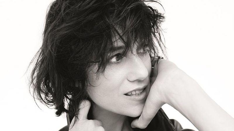 Kijött az albuma a polgárpukkasztó színésznőnek