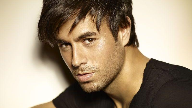 18 év után újra Magyarországon ad koncertet Enrique Iglesias!