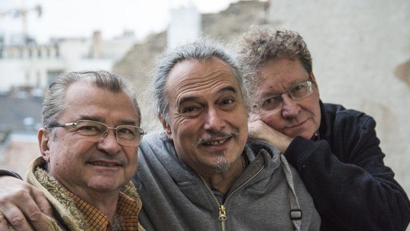 Szeresd a Kacsamajmot! 30 év kihagyás után újra színpadon Laár András triója