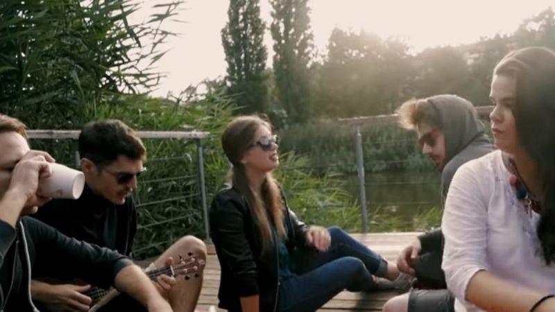 A Szigeten kívül is zajlik az élet: új magyar klipek