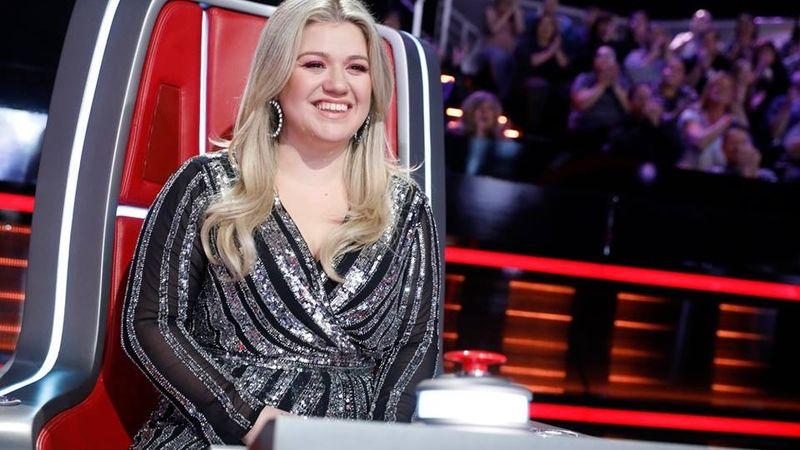 Kelly Clarkson Twitteren kelt az LGBTQ közösség védelmére
