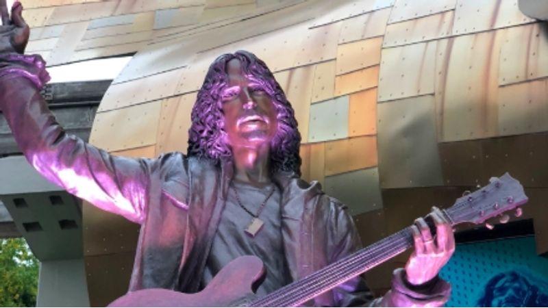Nektek hogy tetszik Chris Cornell most felavatott szobra?