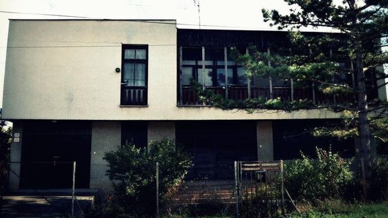 16 év operaterror, avagy a párkányi zenélő ház története