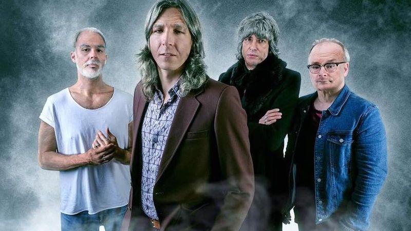 30 évet öregedtek az Ivan & the Parazol tagjai