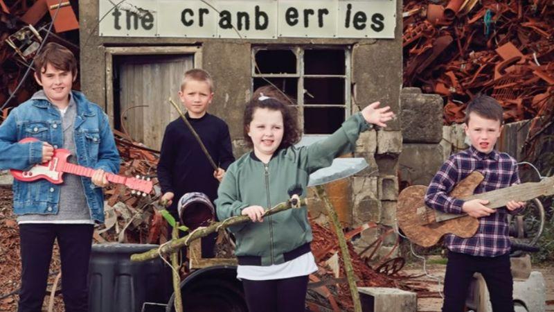 Új dallal emlékezik meg a The Cranberries együttes Dolores O'Riordan halálának évfordulójáról