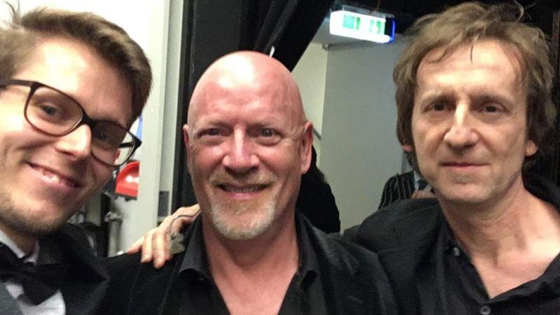 Ősze Gergely, Steve Sidwell és Auguszt Bárió