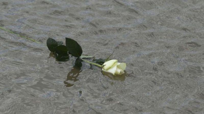 Közös éneklés lesz ma a Margit hídon a hajóbaleset áldozatainak emlékére