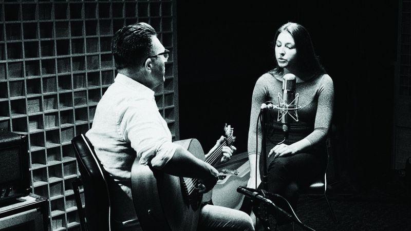 Lányával közös albumot készített Ákos