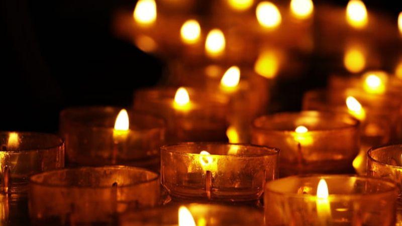 Ingyenes koncert és előadás a Fiumei úti sírkertben Halottak napján