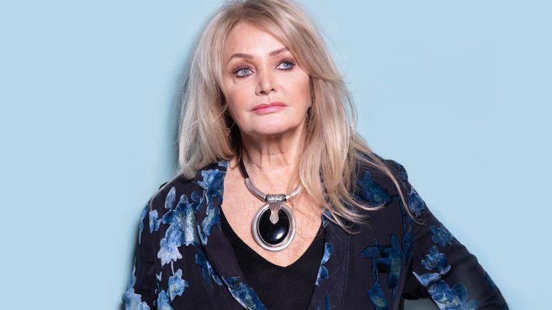 Védjegye a rekedtes hangja: 10 érdekesség a Budapestre érkező Bonnie Tylerről