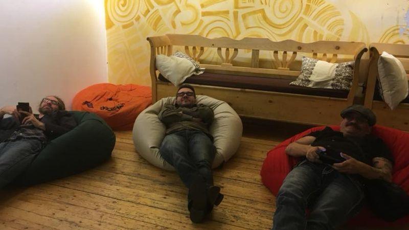 Ferenczy Gyuriék lazítanak koncert előtt a Fonóban :) (FB)