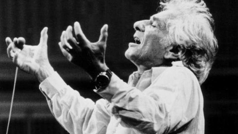 Film készül Leonard Bernsteinről – Bradley Cooper írja, rendezi és a főszerepet is ő alakítja