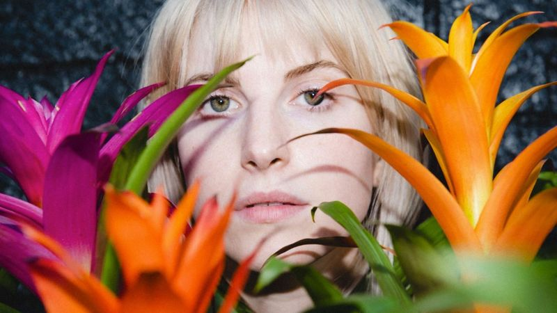 Egy szál semmiben a Paramore frontasszonya