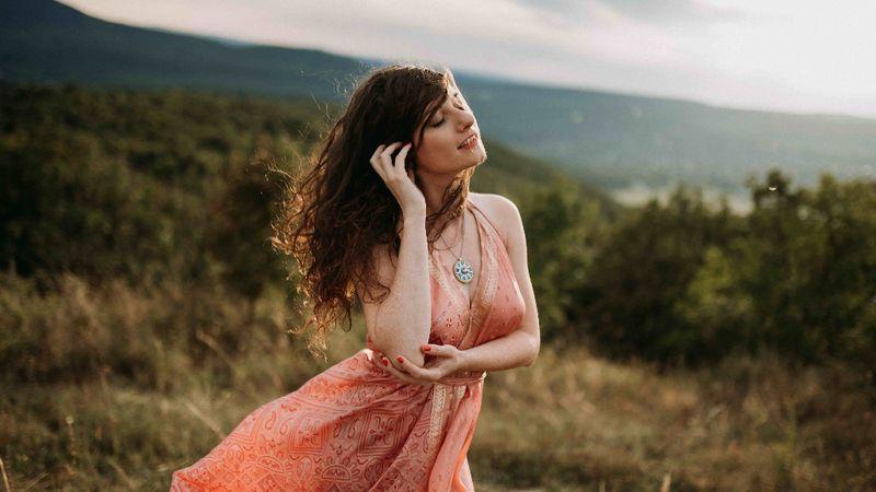 Szedernek most tényleg sikerült - új videó és farsangi koncert az énekesnőtől