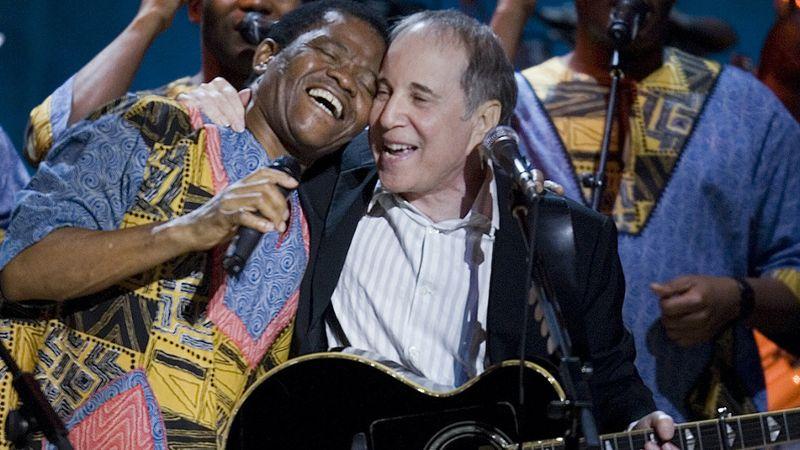 Paul Simonnal is énekelt: elhunyt a zulu zene ötszörös Grammy-díjas alapítója