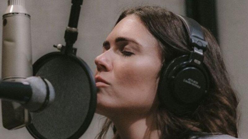 Megjelent a színésznő-énekes Mandy Moore legújabb videóklipje