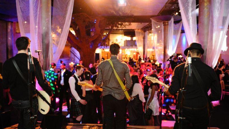 Esküvőt 200 főig lehet tartani júniustól – a zenészek meg már nagyon zenélnének... Mi következik ebből?