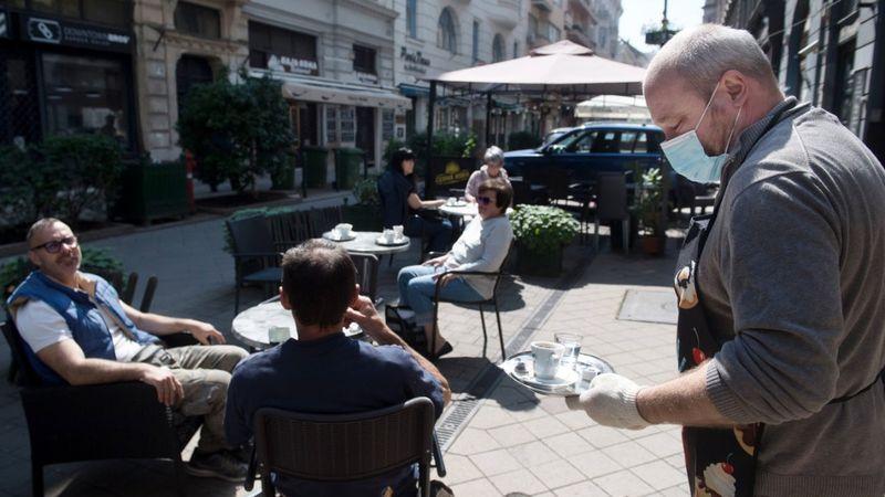Ez mondjuk pont a Ráday utca, de bárhol lehetne Budapesten (MTI)