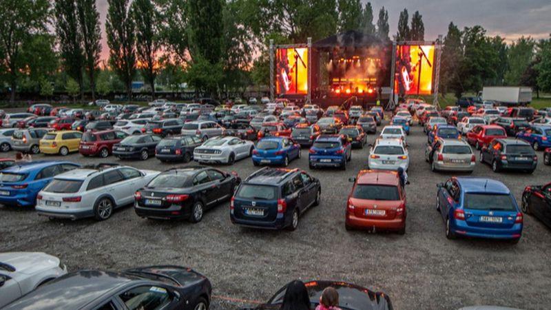 A kormány egyetlen hétvégére engedélyezte az autós koncertek megtartását