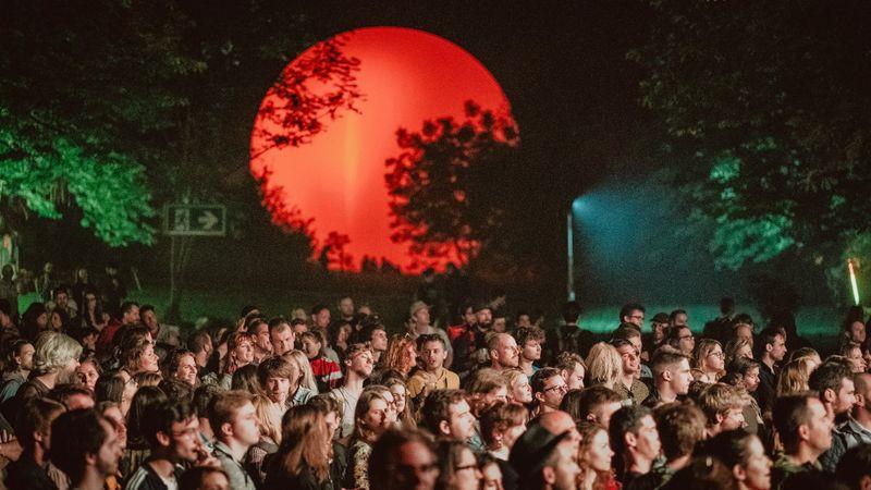 Augusztus vége betelt – újabb fesztivál halasztott a nyár utolsó hetére