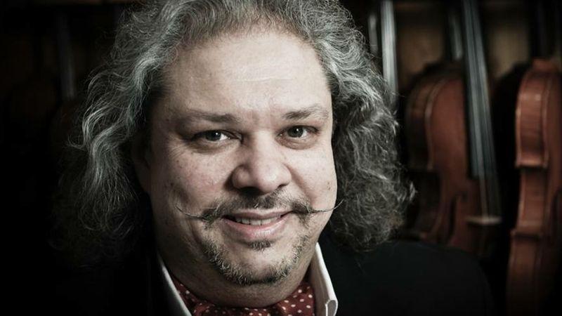 Különleges zenei díjat kapott Svájcban Roby Lakatos