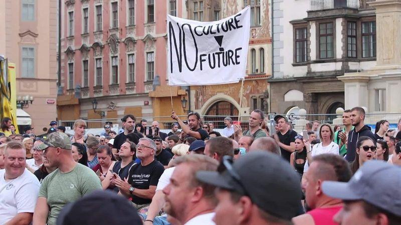 A zenészekért demonstráltak Prágában