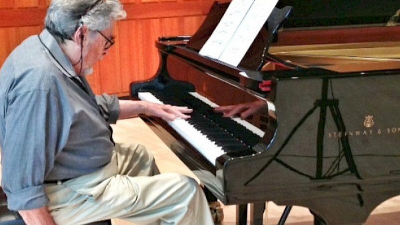 Elhunyt Amerika Balkezes Zongoristája