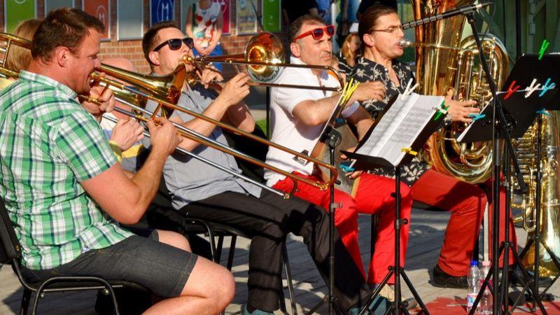 Egy kis élő zene a Balatonnál és a Dunakanyarban