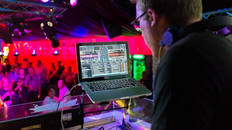 Pénzhez jutnak a klubok, koncerthelyszínek és a fesztiválok