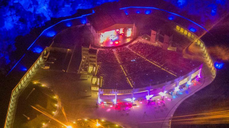 Nyárvégi szuperbulik a Tokaj Fesztiválkatlanban