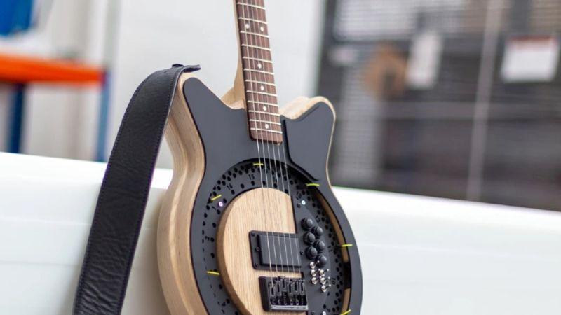 Az egykezes gitár forradalmasíthatja a zenét