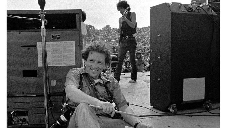 Fotó: Rolling Stone magazin  (a woodstocki színpadon Santana)