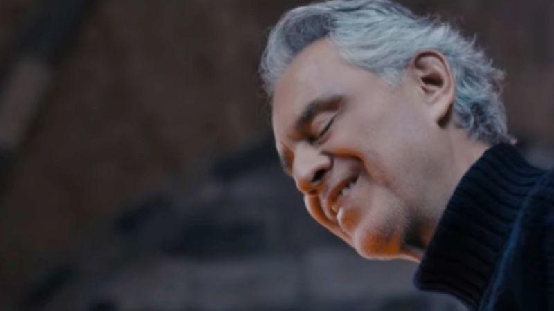 Online közvetítik Andrea Bocelli karácsonyi koncertjét