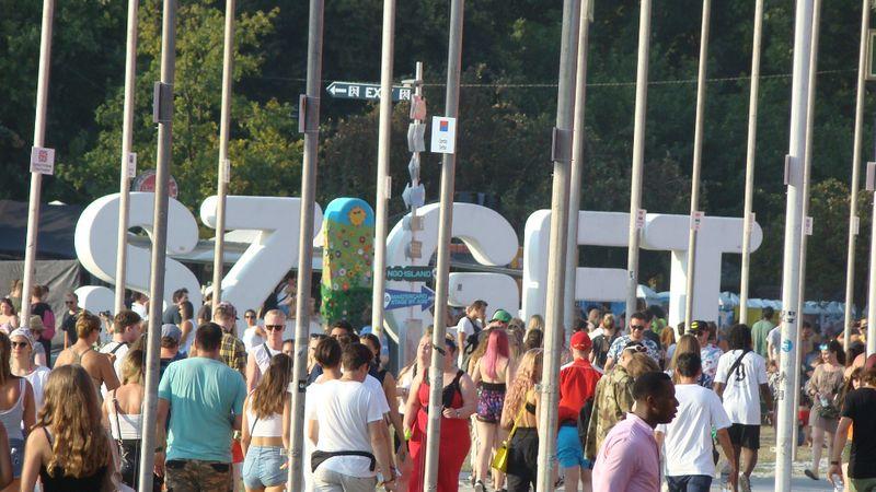 Koncert, fesztivál: igazolványosoknak – vagy senkinek