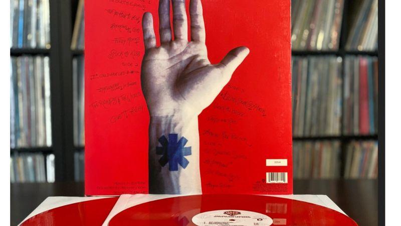 Annyi pénz, amennyiért Red Hot Chili Peppers katalógusa elkelt, nincs...