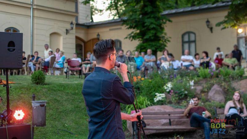 Könyv, bor és egy kis jazz – fesztivál Balatonfürden