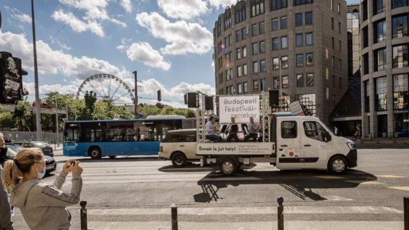 A káptalantóti Liliomkert piacra is begördül a BFZ teherautója