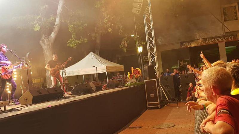 2019-ben a Quimby is fellépett Makón – azóta minden szemontból nagyot fordult a világ.