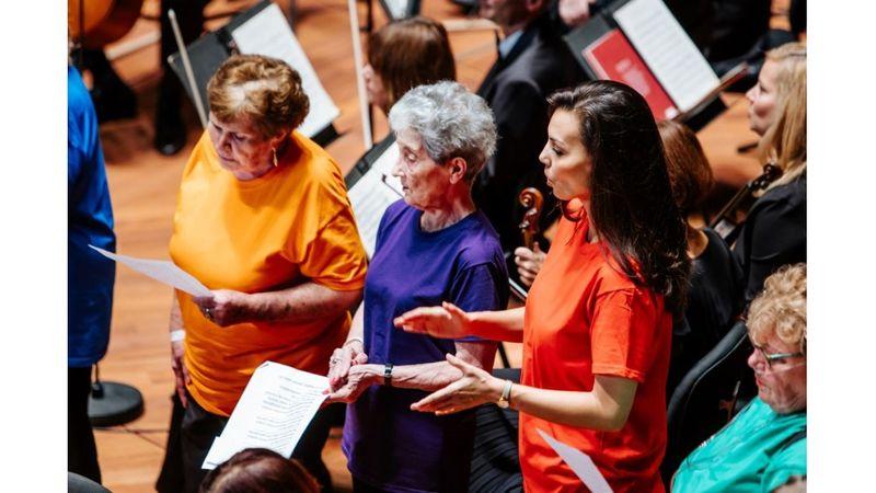 Énekléssel gyógyulók léptek fel a Fesztiválzenekar koncertje előtt