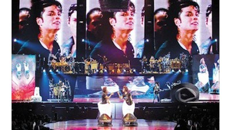 Jön, jön, jön: Cirque du Soleil - The Immortal (Michael Jackson)