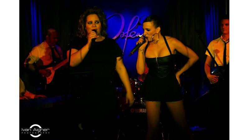 Tóth a négyzeten: Vera és Gabi egy színpadon